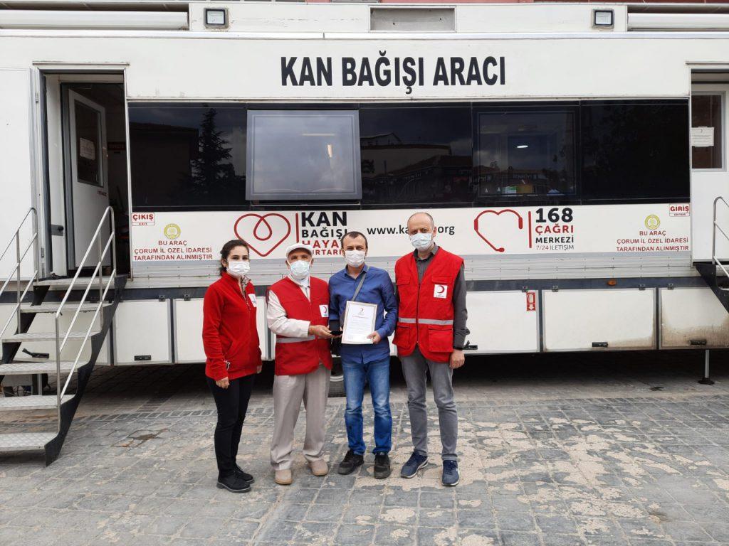 2-3 Haziran tarihleri arasında Atatürk Meydanı'nda düzenlenen Kan Bağışı kampanyasında 186 ünite kan toplandığı bildirildi. Sungurlu'da, Türk Kızılay'ına 10 kez kan bağışı yapan 16 kişiye bronz madalya, 35 kez kan bağışı yapan 1 kişiye ise törenle altın madalya verildi. | Sungurlu Haber