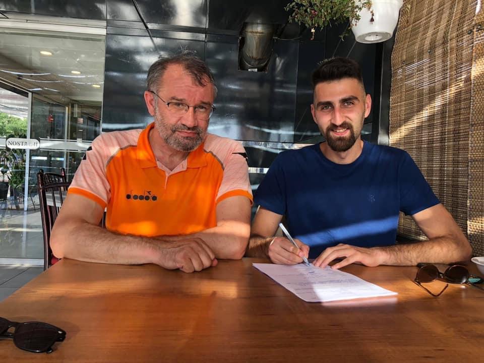 Transfer çalışmalarına başlayan Sungurlu Belediyespor Kulübü Voleybol takımı ilk transferini duyurdu. Sungurlu Belediye Spor Kulübü, geçen sene Çankırı'da pasör mevkisinde oynayan İsmail Eruysal ile yeni sezon için anlaşmaya vardı.   Sungurlu Haber