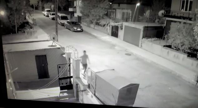 Çorum'da 4 ayrı evden hırsızlık yaptığı belirlenen şahıs, yakayı ele verdi. | Sungurlu Haber